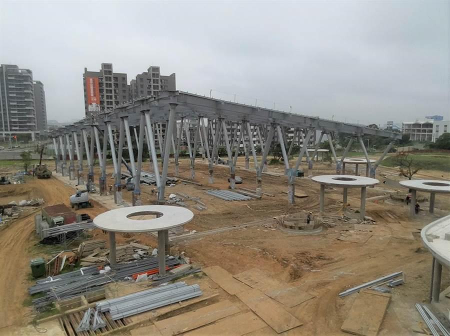 王爺壟運動公園目前進度達50.463%,預計年底可如期完工。(莊旻靜攝)