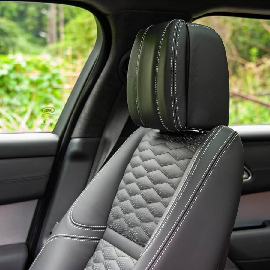 20向電動調整及加熱/通風前座椅,附加按摩功能。(陳大任攝)