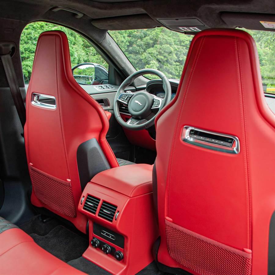 14向電動調整跑車型座椅,附加熱/通風功能。(陳大任攝)