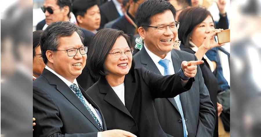 隨蔡英文(中)第二任期開始,綠營的鄭文燦(左)及林佳龍(右)等人,對下個世代的共主之爭將隨之啟動。(圖/報系資料照)