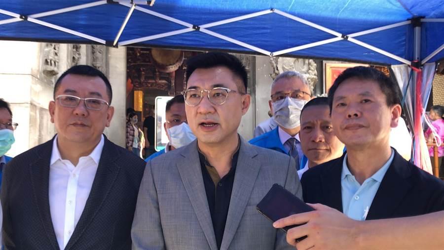 江啟臣(中)表示,韓市長是在強調,現階段一切都要以市政為最優先工作而已。