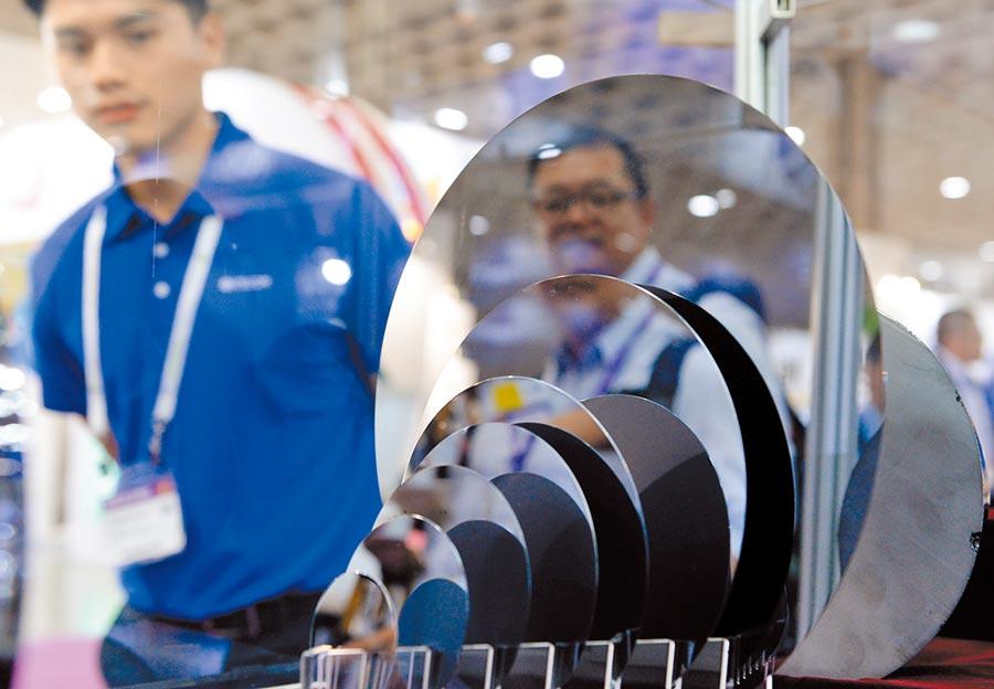 工研院下修今年台灣重點製造產業產值年增率,半導體產業產值年增率由2月預估的成長8%,縮小到成長5.8%。圖為去年國際半導體展。(本報資料照片)