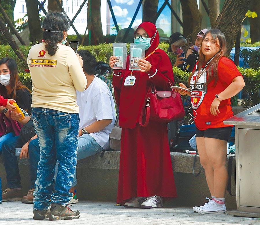 桃園市家庭看護工職業工會祕書長黃姿華表示,最近申訴遭受暴力的家庭看護工人數上升,多數是因為被照顧人不能外出、與照顧的移工發生衝突。(本報資料照片)
