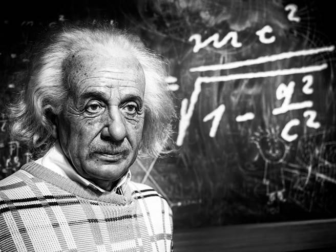愛因斯坦用糖果紙對抗動脈瘤,多活了7年(一),愛因斯坦。(圖片來源/達志影像shutterstock提供)
