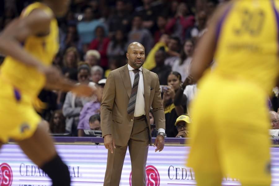費許如今擔任WNBA洛杉磯火花隊總教練。(美聯社)