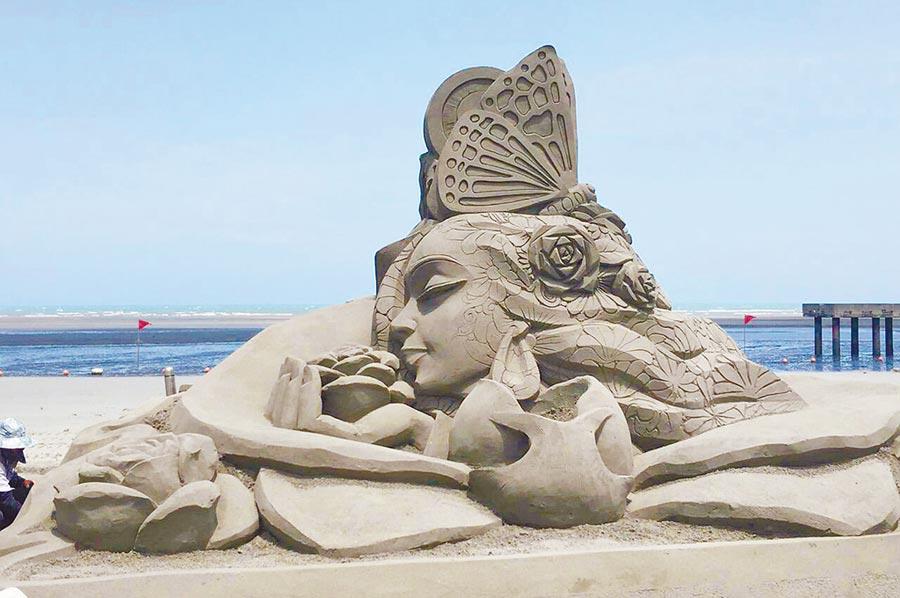每年暑假舉辦的大安砂雕音樂季,吸引數10萬民眾慕名而至。(台中市政府提供/陳世宗台中傳真)