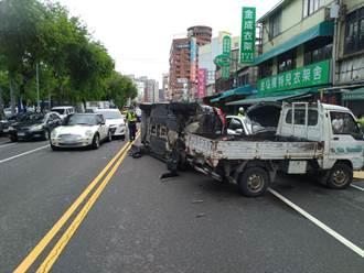 疑酒駕肇事 5車撞成一團