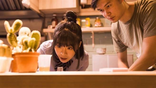努力學習製作餐點的葉芸希。(懿想天開提供)