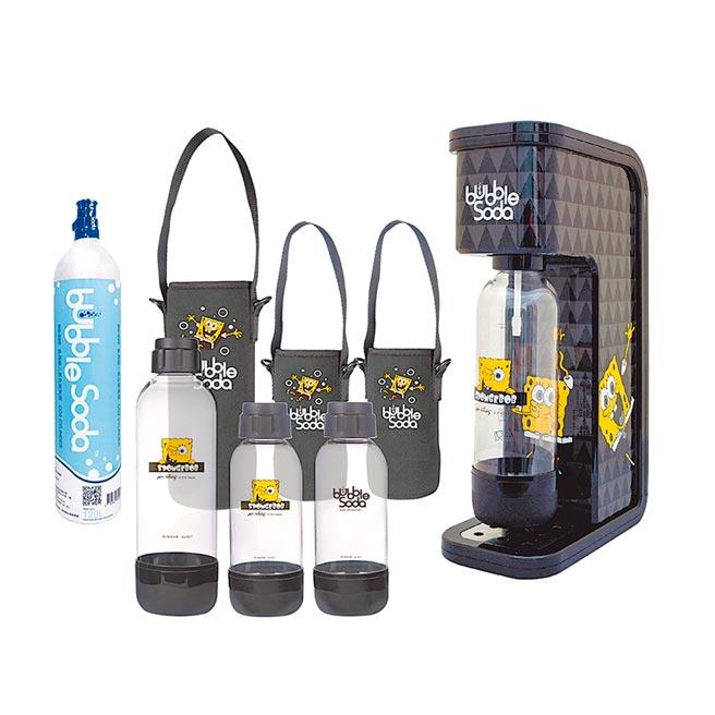 PChome 24h購物的法國BubbleSoda 全自動氣泡水機 海綿寶寶超值組合,原價6590元,明(20日)起至6月19日特價3990元。(PChome 24h購物提供)