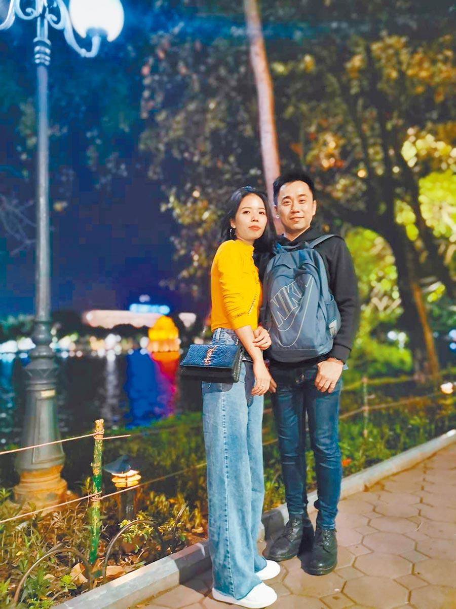 小彬彬(右)與小英1月已在越南登記結婚。(小彬彬提供)