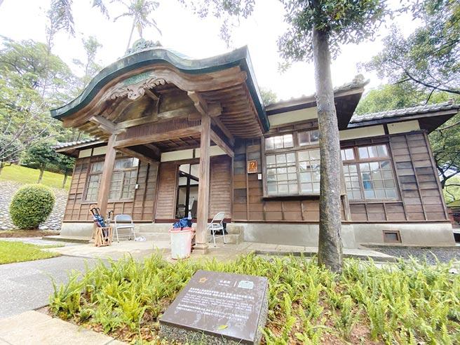 桃園神社第2期修復工程已竣工,其中社務所內外都全面翻新,預計7月15日重新對外開放。(蔡依珍攝)