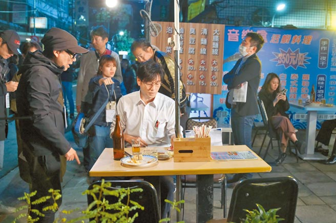 井浦新先前來台拍攝《路~台灣Express~》。(公視提供)