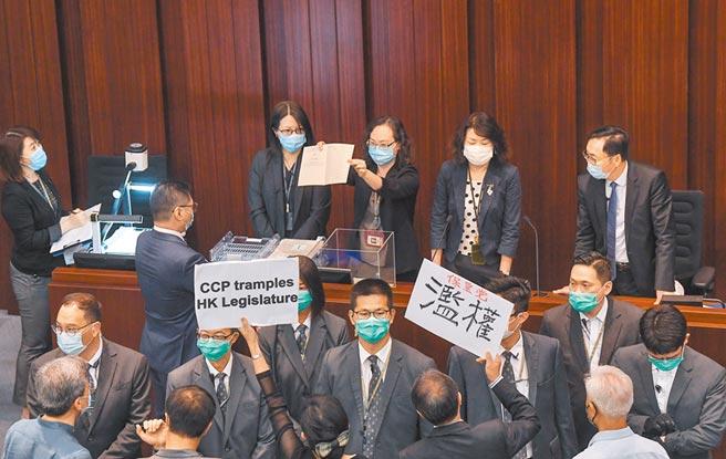 港澳辦主任夏寶龍傳在兩會期間將首次發表講話,圖為5月18日上午,香港立法會內務委員會進行主席選舉。(中新社)