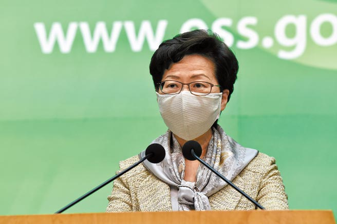 5月19日,香港特首林鄭月娥出席行政會議前會見傳媒。(中新社)