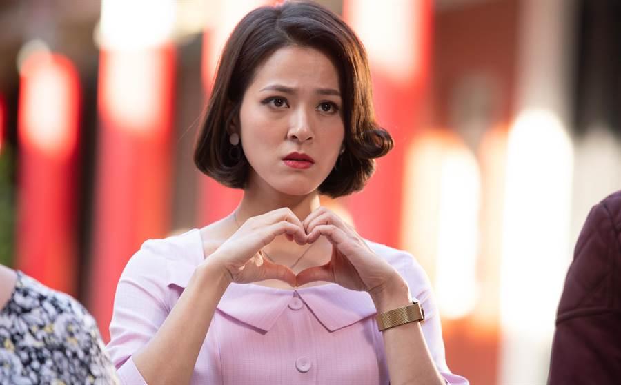 蘇晏霈在《我的婆婆》中飾演鍾欣凌的小女兒,蘇晏霈在《我的婆婆》中飾演離婚的單親媽媽蘇秉愛,她為了養家,自己創立一家按摩SPA館,帶著一個7歲的兒子獨自生活。(公視提供)