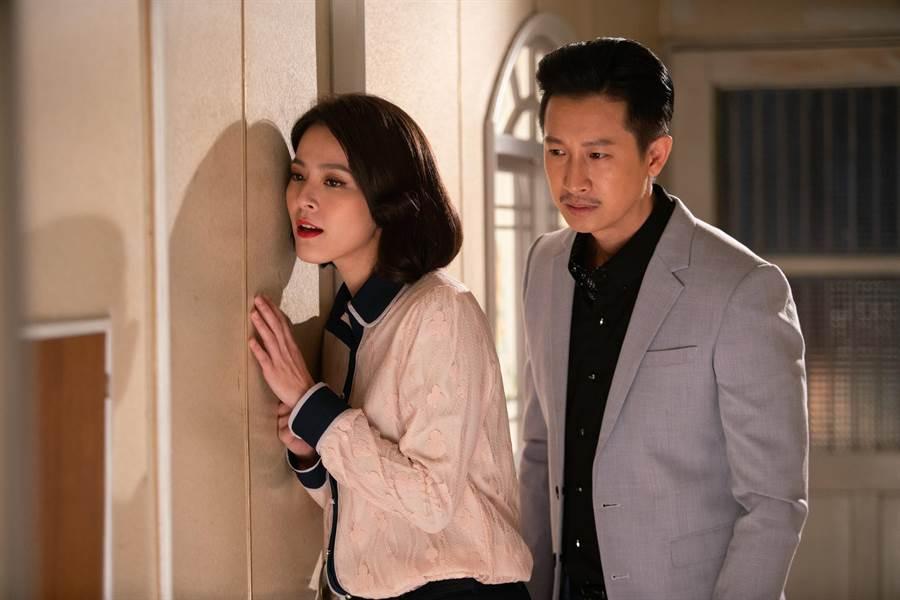 蘇晏霈與Darren在《我的婆婆》中是兄妹,聯手想訛詐媽媽鍾欣凌的養老金。(公視提供)