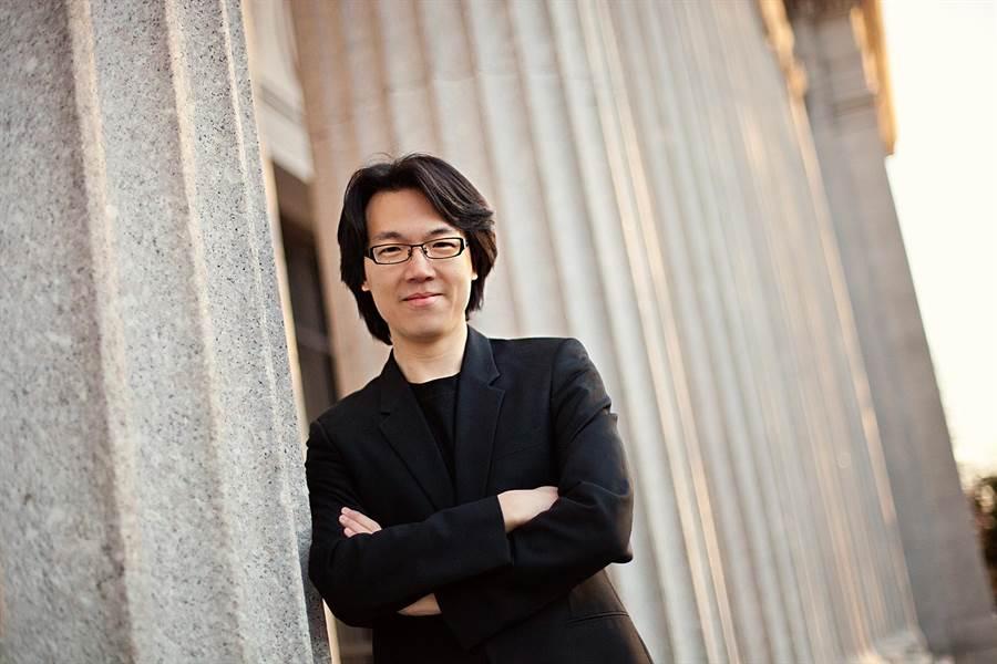 指揮家廖國敏。(台北市立交響樂團提供)