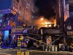 台中市中華夜市大火  警逮1名男子疑持瓦斯桶縱火偵訊調查中
