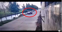 準夫妻開車衝入河內!婚禮前一天溺斃…影片曝光「詭異死法」