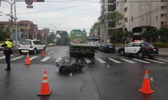 大車快車道右轉 慢車道騎士被撞死