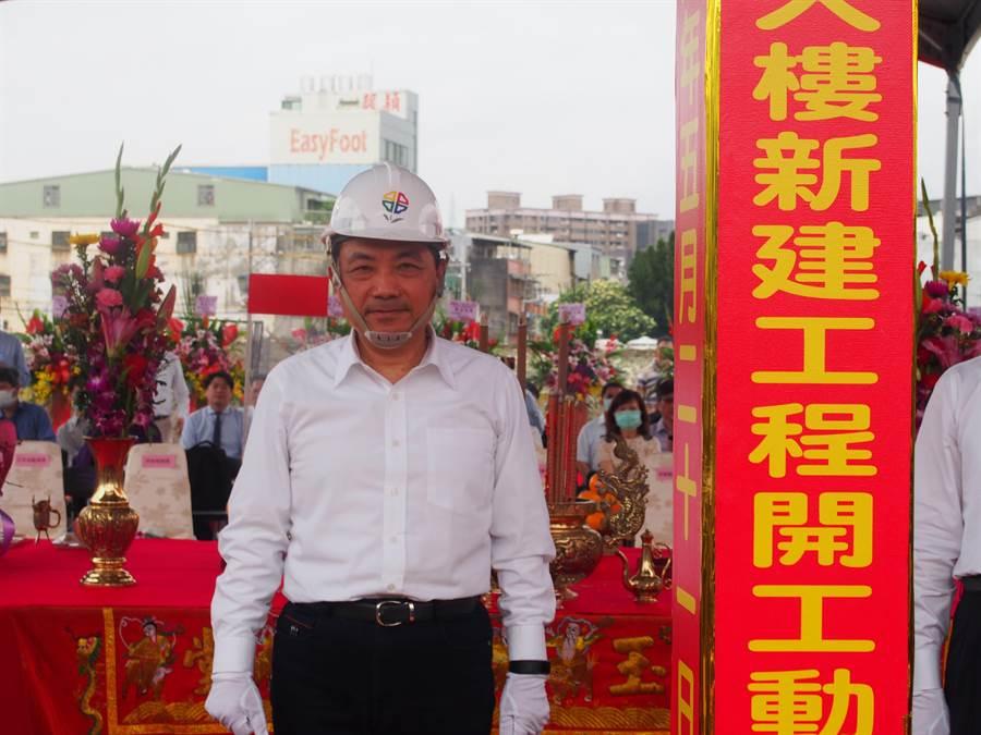 新北市長侯友宜喊話中央能再支援新北5億元發放紓困金。(賴彥竹攝)
