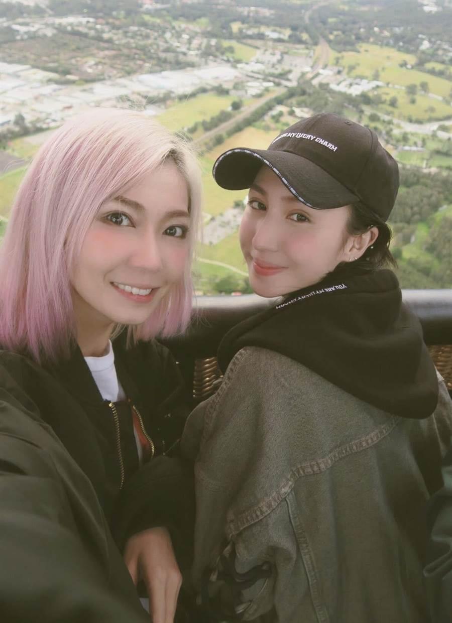 孫尤安(右)和姊姊下個月將推出全新保養品牌。(愛貝克思提供)