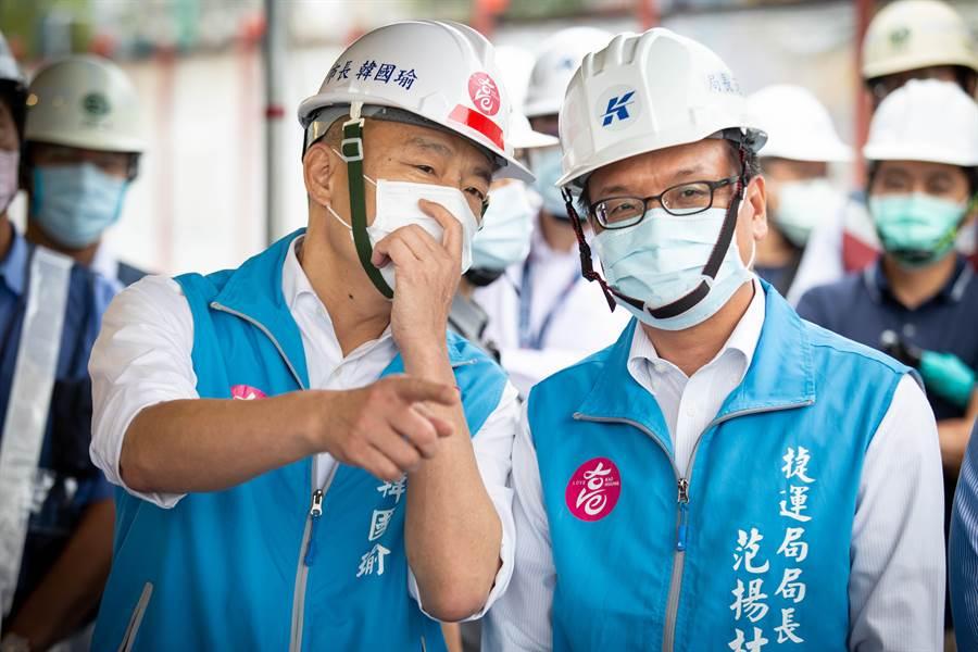 捷運工程局長范揚材(右)澄清,輕軌工程進度超前,最具爭議的美術館及大順路段只要當地達成共識,2年內就能完工。(袁庭堯攝)