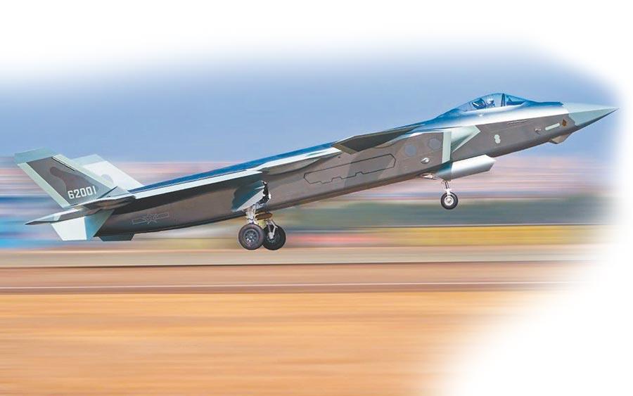 正在進行實戰訓練的大陸殲-20戰機。(取自解放軍空軍)