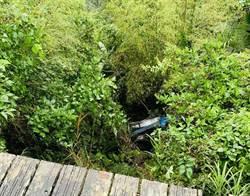 駕小貨車與箱型車擦撞 婦跌落10米深山谷