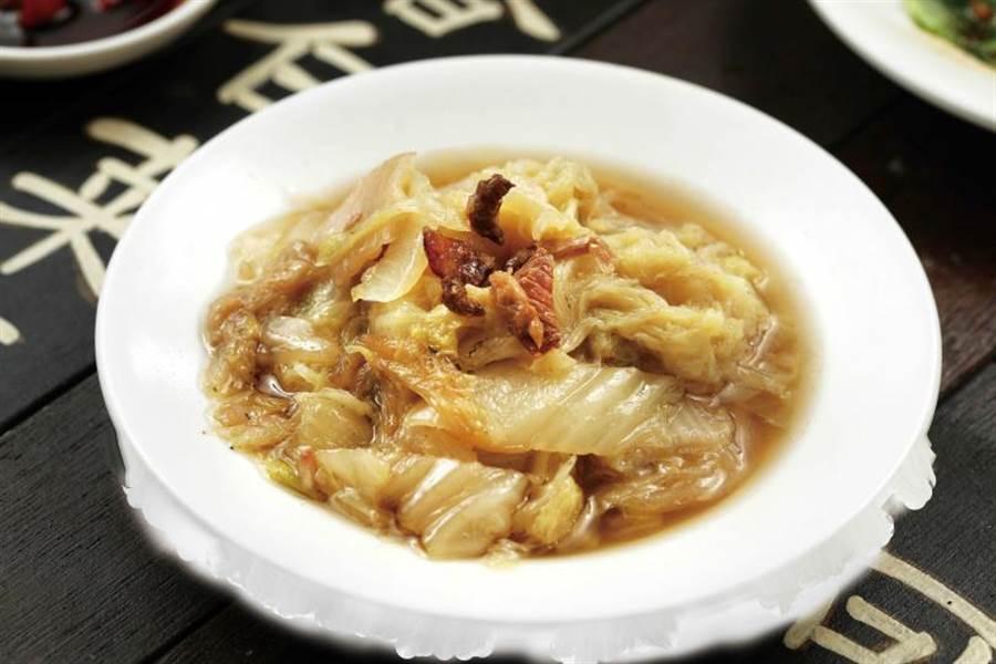 特別加入扁魚、金鉤蝦滷製的「可口滷白菜」,甜味、鮮度與精緻度更佳。(35元/小)(圖/于魯光攝)