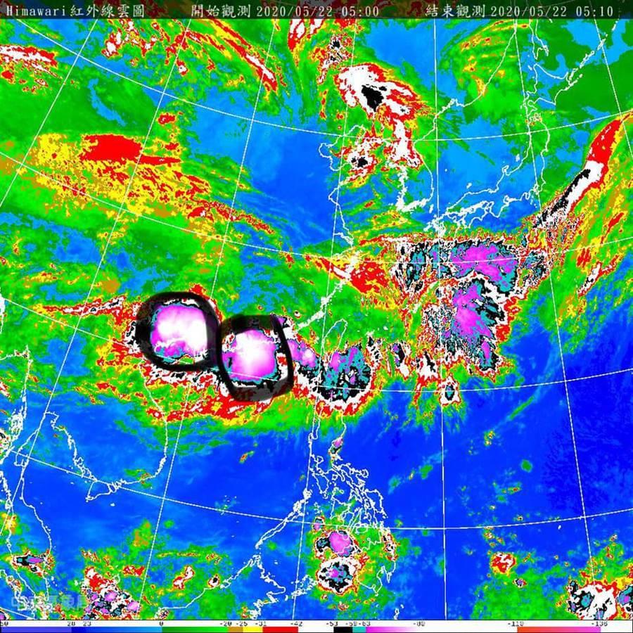 賈新興在臉書PO文指出,梅雨鋒面長兩顆「豪雨製造機」。(圖/翻攝自賈新星臉書)