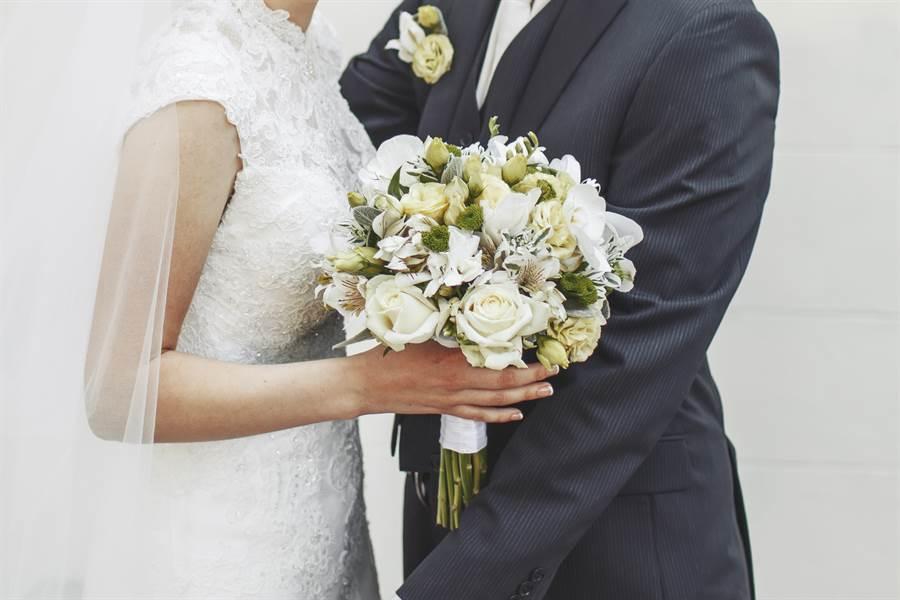 夫妻學歷差距大,會影響到婚姻關係嗎?(示意圖/非當事人/達志影像)