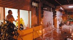 凌晨暴雨 台南安中河再現