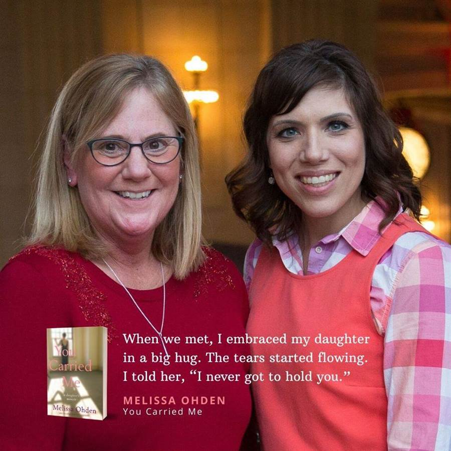 梅麗莎(右)與親生母親露絲(圖片取自/Melissa Ohden: Survivor, Author, Activist: For Life.)