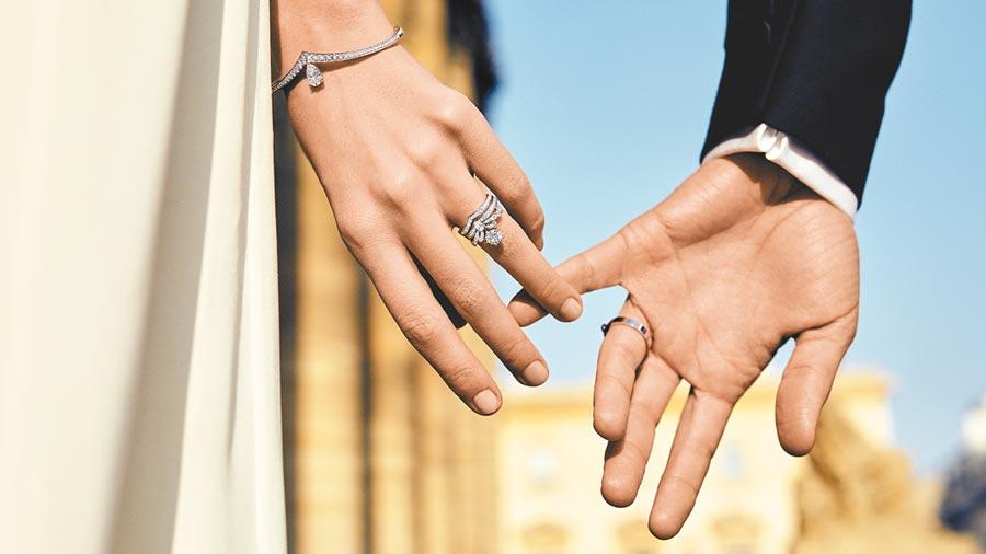 CHAUMET在結婚旺季推薦以約瑟芬皇后的皇冠延伸而來的JOSEPHINE系列戒指。(CHAUMET提供)