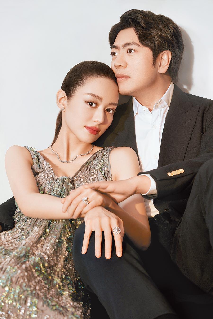 De Beers在結婚旺季主打鋼琴家郎朗與吉娜愛麗絲廣告代言的婚戒。(De Beers提供)