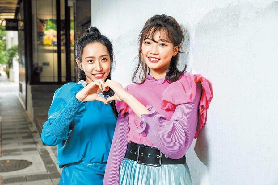 彭名慧(左) 、林采婕外型高挑亮眼。(石智中攝)