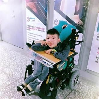 每月要花5萬元  身障生陳景維要用自己力量完成求學夢