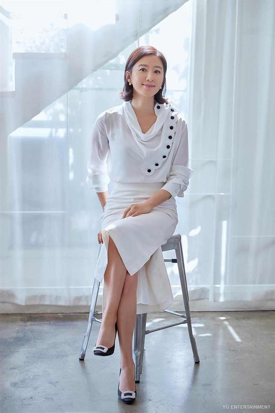 金喜愛演出女主角池善雨,成功入圍今年百想藝術大賞視后。 (YG ENTERTAINMENT提供)
