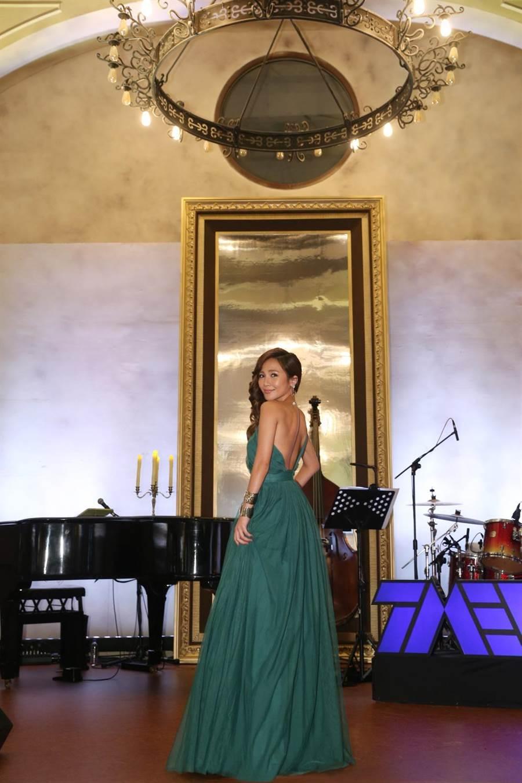 蕭煌奇25日在華山中4A館直播開唱,梁文音擔任嘉賓。(環球音樂提供)