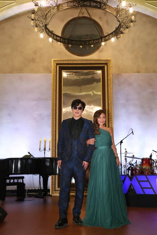 金曲歌王蕭煌奇第一場「沒有觀眾的演唱會」,獻給「2020 TME LIVE超現場 蕭煌奇的周末晚宴」。(環球音樂提供)