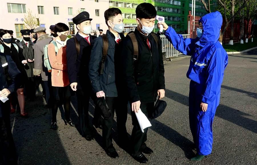 北韓至今0人確診新冠肺炎,北韓國家衛生檢疫院院長樸明守日前表示,主要拜中央政府高度重視、及早展開嚴格防疫措施,加上地方政府確實落實政策,才能締造0確診成就。(資料照/美聯社)