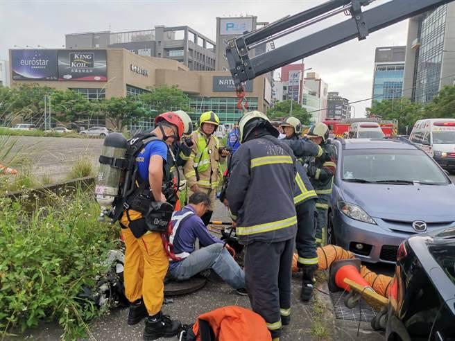 快訊》北市內湖下水道施工意外  救出3人意識不清