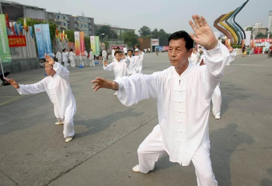 太極拳在世界各地發展有成,獲得國際奧會同意進入青奧。(新華社資料照)