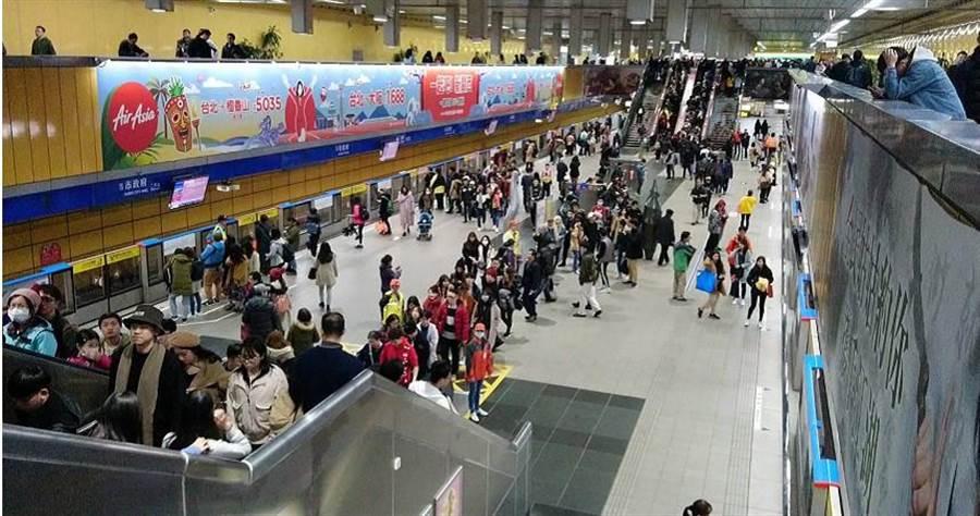 台北捷運搭乘人數逐月遞減。(本報資料照片)