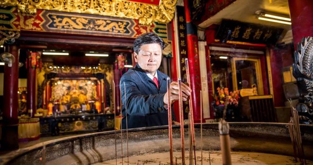 傅崐萁帶職入監,將在獄中申請「視訊問政」行使立委職權。(圖/翻攝傅崐萁臉書)