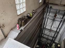 維修機械停車場  北市3工人摔落B2受傷