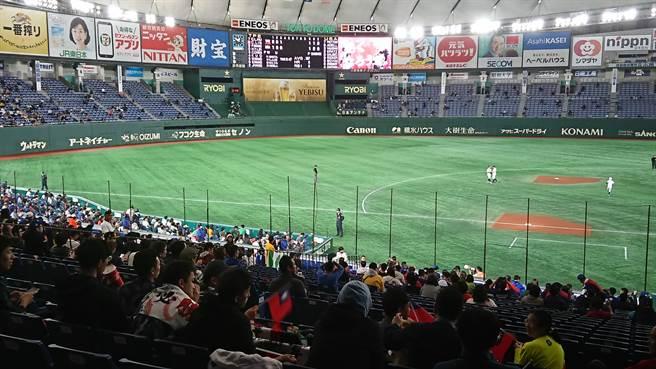 日本職棒今年將從6月19日開幕,起先閉門比賽,再開放每場5000名觀眾進場,圖為東京巨蛋(示意圖)。(資料照/廖德修攝)