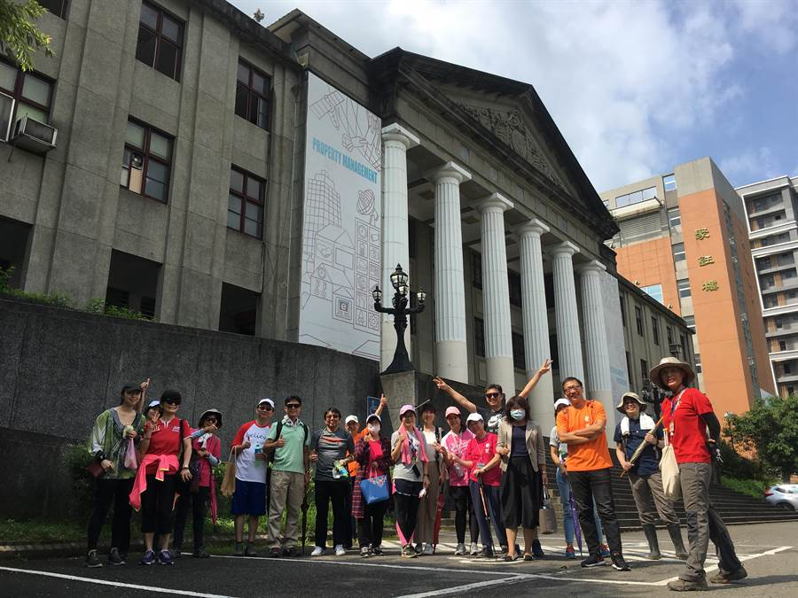 華夏科技大學今年度開啟《登高望遠見華夏-校山巡禮》活動,於5月25至26日辦理《防疫健走暨校山場勘活動》。(華夏科技大學提供)