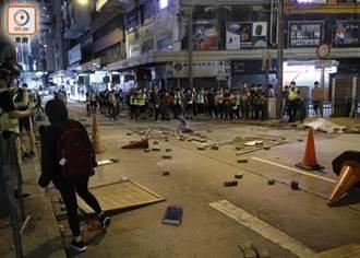 港民發起「大三罷」抗議國歌法 發生多起堵路、罷課